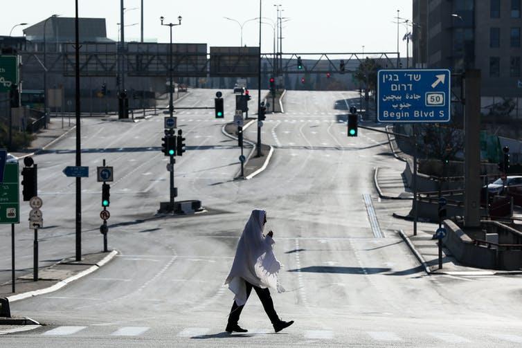 Kota-Kota Kosong Telah Lama Menjadi Kiasan Dalam Film Pasca-Apokaliptik - Sekarang, Itu Adalah Kenyataan